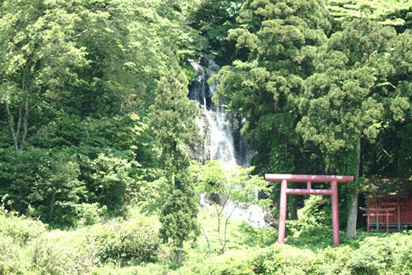 白糸の滝_b